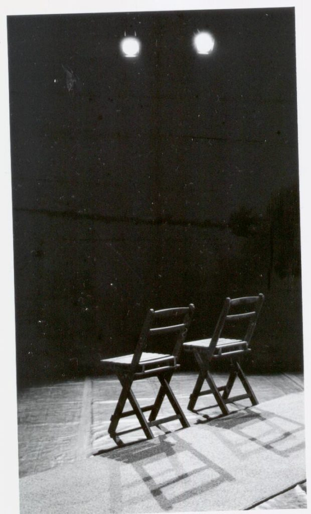 Pervertimento. 2 cadeiras